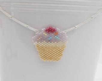 Cup cake pastel Miyuki and silver Metal beads necklace