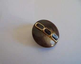 Button round 23 mm vintage plastic