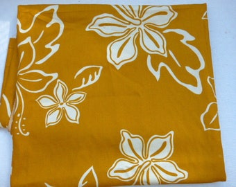Mustard and cream embroidery, patterns of Tahiti