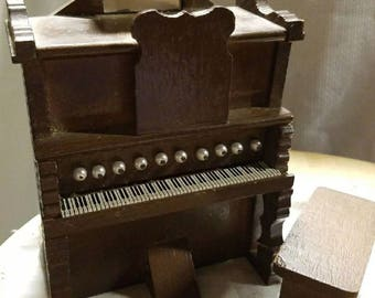 Dollhouse furniture - Piano