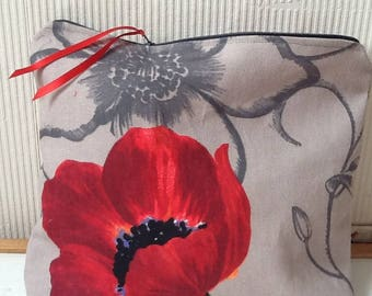 Grey cotton pouch with poppy