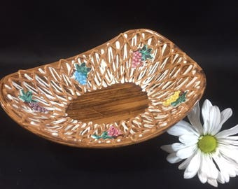 Vintage Decorative Dish Italian Pottery Faux Wood Glaze Grapes Spaghetti detail