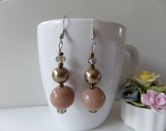 These Beige, round beads, glass faceted earrings.