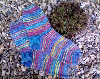 Colourful, hand-knitted socks Gr. 40/41