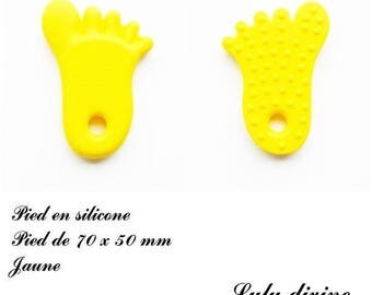Foot 70 x 50 mm special teething silicone / rattle / pacifier clip: yellow