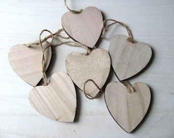 Set of 6 natural wood with 7cm hanging hearts
