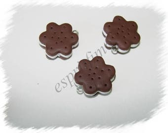 """Biscuit chocolate flower"" charm in polymer clay"