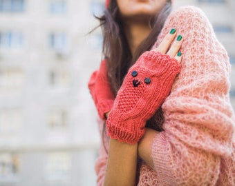 Pattern Knited Coral Owl Mittens