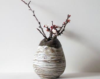Striped nericomi stoneware vase