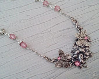 The flower and Butterfly pendant necklace