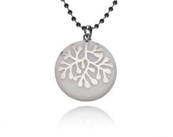 Necklace coral silver on white