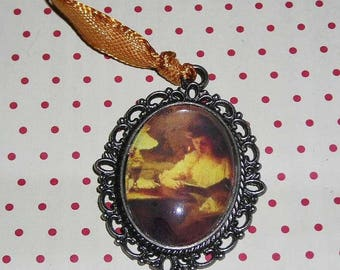 Necklace cabochon young woman reading Marcel Rieder (cabochon necklace)