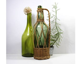 Large glass bottle / Wicker wrapping