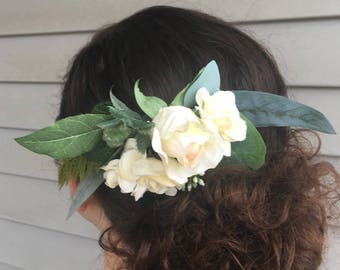 Custom made white floral hair comb. Wedding hair piece
