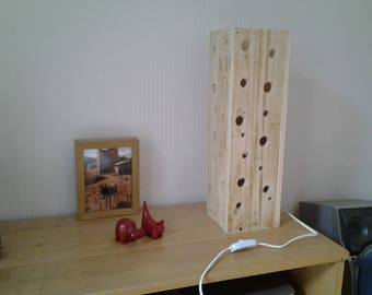 Lamp made of pallet wood