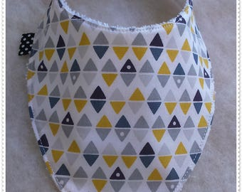 Bandana bib yellow triangles and various gray