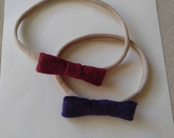 2 felt bows