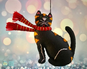 hand stitched black cat Christmas Handcrafted felt Christmas tree decoration /felt hanging ornament chic felt primitive decoration cat lover