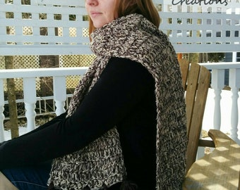 Chunky scarf with tassels