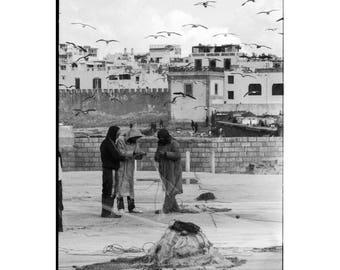 Fishermen, Morocco, 2018. Photographie d'art, Tirage argentique encadré en édition limitée et numérotée