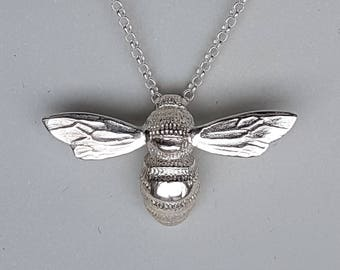 The Honey Bee Pendant Necklace 925 Sterling Silver high polish Jewellery