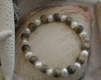 "Fresh Water Pearl with Ceramic Earth 7"" Medium"