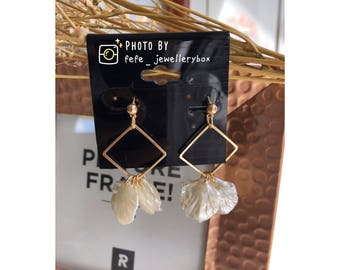 925 Sliver Gold Plated Geometric Natural Resin Petals Earrings