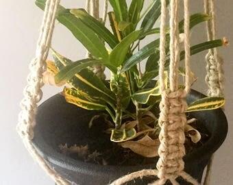 "Handmade Hemp Plant Hanger- 28"""