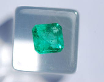 Emerald, Faceted Beryl, Beautiful, Natural Green, Untreated, Emerald Cut Rectangle, 5.8 x 5.6 mm, 0.7ct, F1999AL
