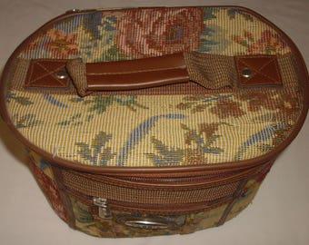 Tassia Cosmetics & Vanity floral travel case