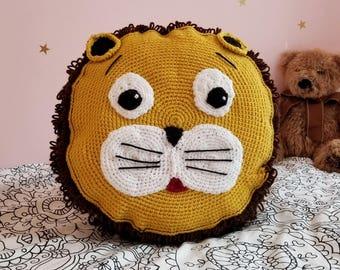 Round Lion Crochet Pillow