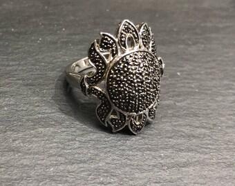 Vintage Sterling Silver Flower Ring Size 6.75