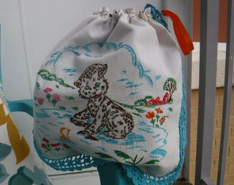 Happy kitten vintage embroidery drawstring bag