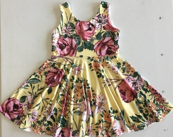 Twirly Dress // Pale Yellow Wildflower // Size 5 // Easter