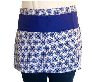 Blue & White Flowered Half Apron with Pockets, Waitress Apron, Teacher Apron, Artist Apron, Vendor Apron, Craft Show Apron