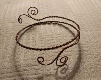 Fantasy twisted wire bracelet