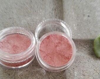 Shadow-eyed pink powder