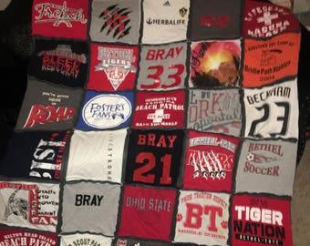 Keepsake quilt, memory quilt, memoribilia quilt, t-shirt quilt, graduation gift