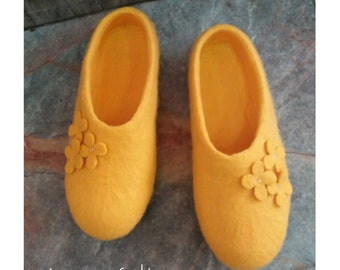 Felt merino wool slippers