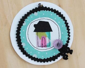 Little house brooch 1