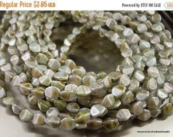 50% OFF Sale Czech Pinch Beads - 5mm Czech Glass Beads - Ultra Luster Green (G - 742)