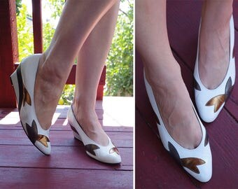 COPPER 1970's Vintage White + Metallic Leather Platform Pumps with Gold Metallic Petals // by California MAGDESIANS // size 9 N