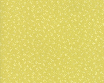 Ella and Ollie - Turkey Tracks in Apple Green : sku 20305-15 cotton quilting fabric by Fig Tree and Co. for Moda Fabrics