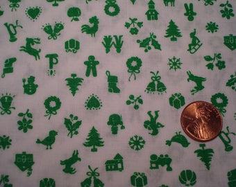 Quarter yard  VINTAGE tiny Christmas print fabric green doll sewing quilting crafting