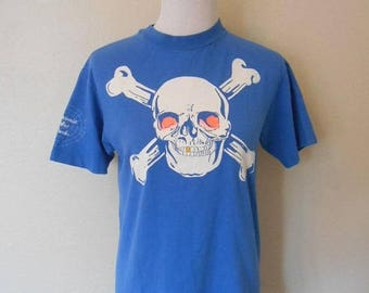 Closing Shop 40%off SALE Vintage Maui Hawaii   1990  90s  tee t shirt    Halloween skeletons  neon   medium