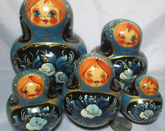 Vintage Blue Russian Nesting Dolls Matryoshka 5 pieces