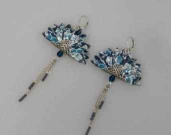 Origami earrings in Japanese paper Washi Chiyogami petroleum blue with flower patterns