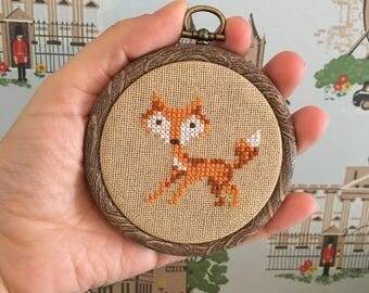 Cross stitch Fox - Framed in hoop