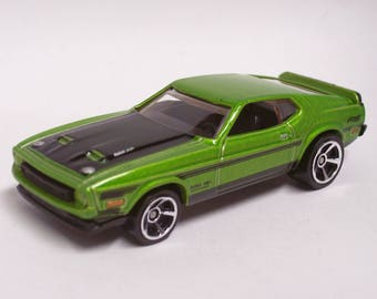Hot Rod Magnet - 1971 Ford Mustang Mach I Boss 351: Hot Rod, Man Cave, Refrigerator, Tool Box, Fathers Day, Magnet