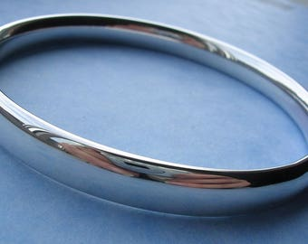 Silver Bangle - Solid Sterling Silver Comfort Fit Bangle.